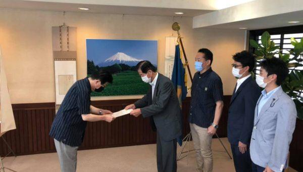 県内クラスターを受け、緊急要望書を提出しました。